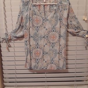 Nwot model sleeve very comfortable blouse
